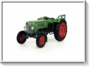 Universal Hobbies Fendt Farmer 2